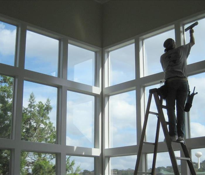 Cleaning SERVPRO of North Hollywood Now Offers Window Cleaning!